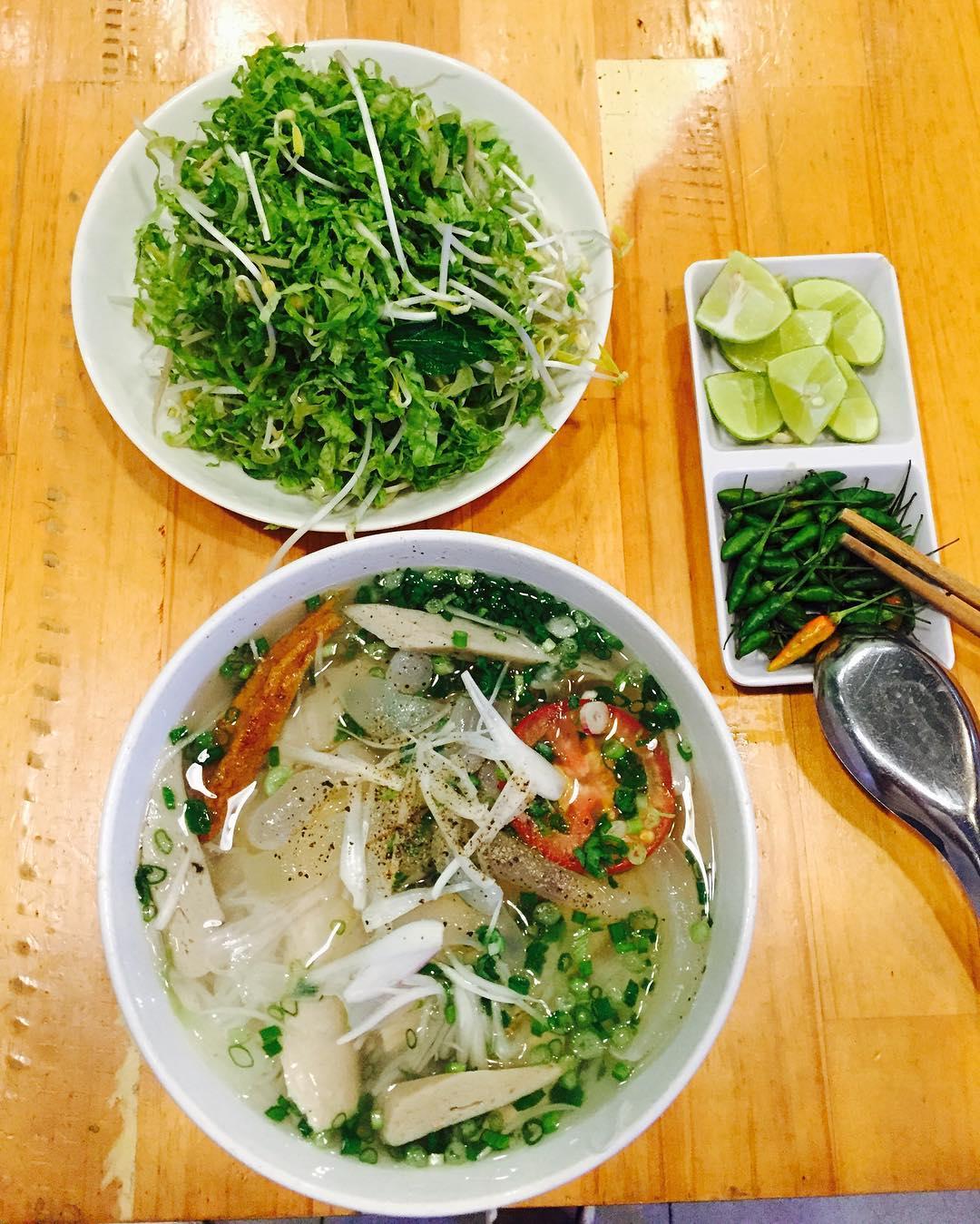 Top 12 quán ăn ngon ở Nha Trang 2020 'mê hoặc' du khách - Ảnh 1.