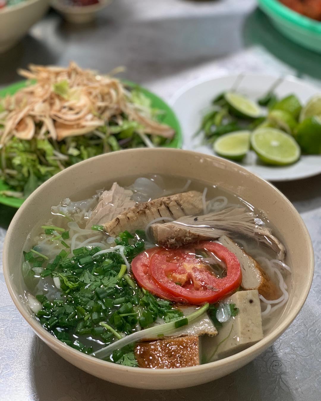 Top 12 quán ăn ngon ở Nha Trang 2020 'mê hoặc' du khách - Ảnh 2.