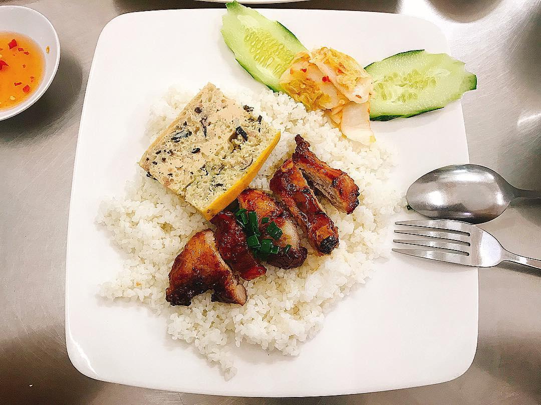 Top 12 quán ăn ngon ở Nha Trang 2020 'mê hoặc' du khách - Ảnh 4.