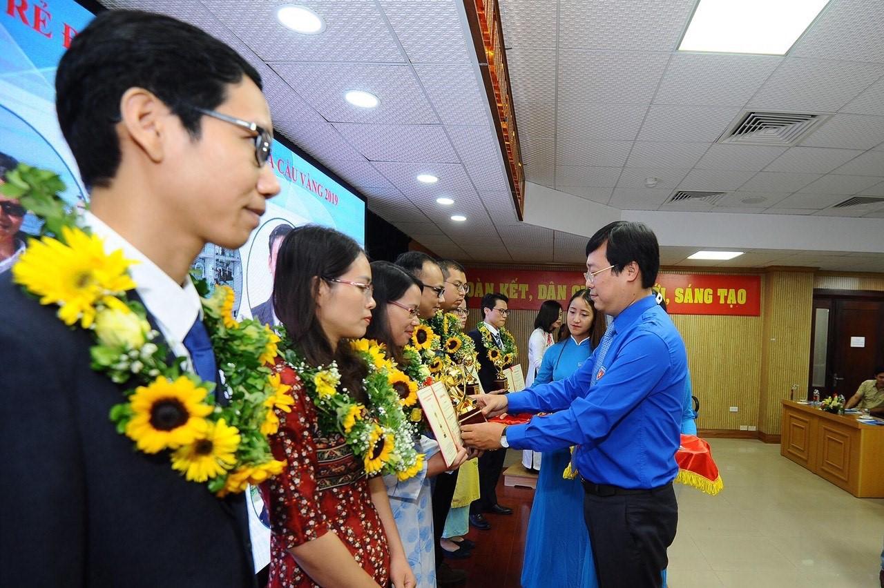Tân Hiệp Phát lần thứ 9 đồng hành cùng giải thưởng Quả Cầu Vàng - Ảnh 1.