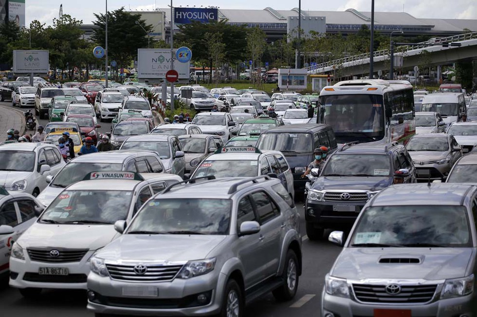 TP HCM đề xuất thu phí ôtô vào trung tâm giai đoạn 2021-2025 - Ảnh 1.
