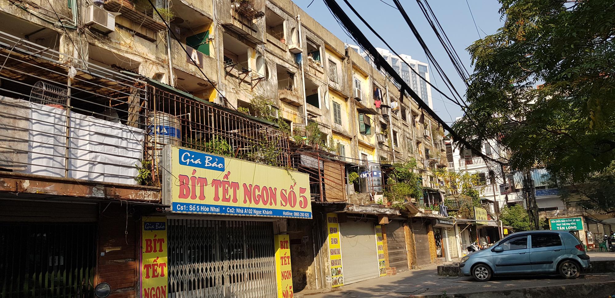 Hà Nội giải thể Ban Chỉ đạo về cải tạo, xây dựng lại nhà chung cư cũ - Ảnh 1.