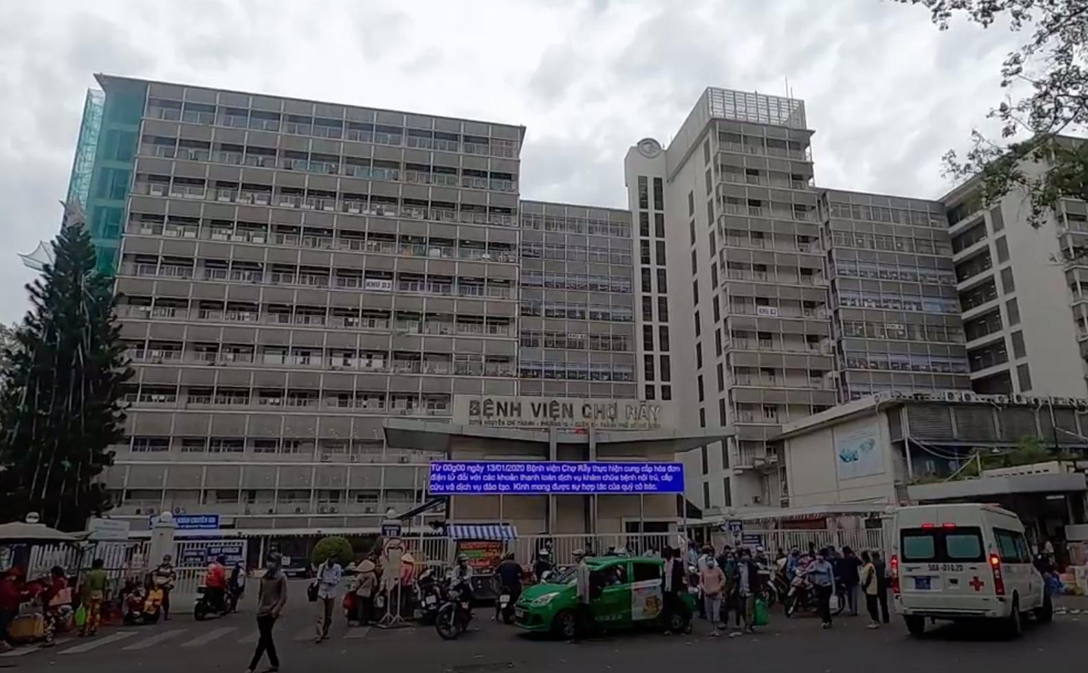 TP HCM: 23 nhân viên y tế Bệnh viện Chợ Rẫy tiếp xúc với BN 517 đều âm tính với SARS-CoV-2 - Ảnh 1.