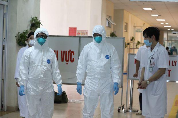 Các bác sĩ trên tuyến đầu chống dịch Covid-19. (Ảnh: Suckhoedoisong)