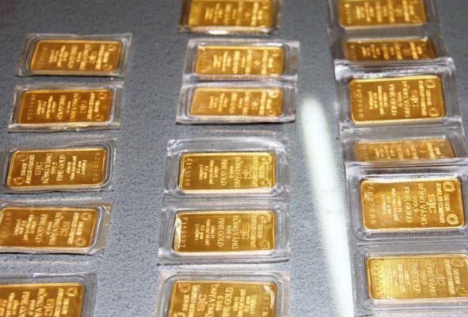 Giá vàng hôm nay 11/8: Vàng SJC tiếp đà giảm sâu 1,47 triệu đồng/lượng - Ảnh 2.
