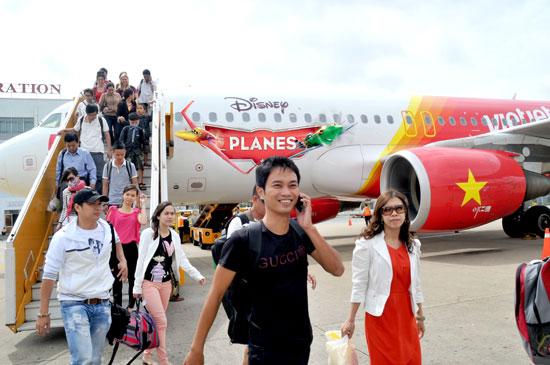 Người tiêu dùng sẽ hưởng miễn phí tới 15 kg hành lí kí gửi khi sử dụng dịch vụ bay của Vietjet Air - Ảnh 1.