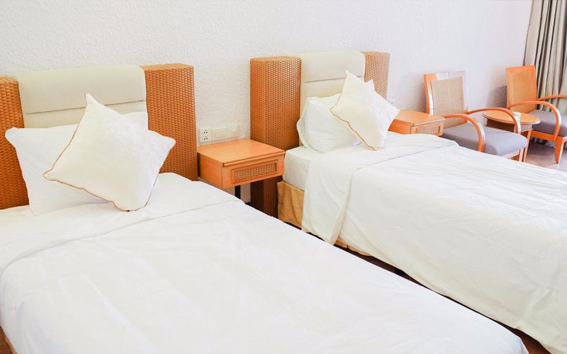 Bên trong 2 khách sạn Huế được sử dụng làm nơi cách li có thu phí - Ảnh 1.