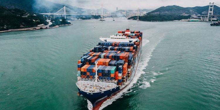 Kim ngạch xuất khẩu hướng tới đạt 340 tỉ USD vào năm 2025 - Ảnh 1.