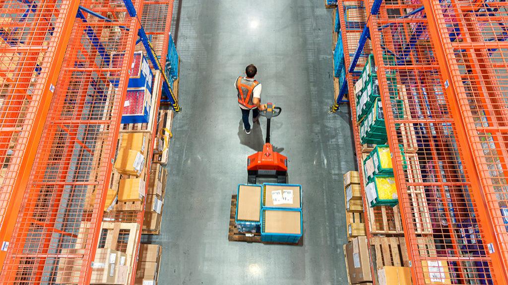 Các nhà cung ứng nhỏ lẻ trước bờ vực khủng hoảng tài chính COVID-19 - Ảnh 1.