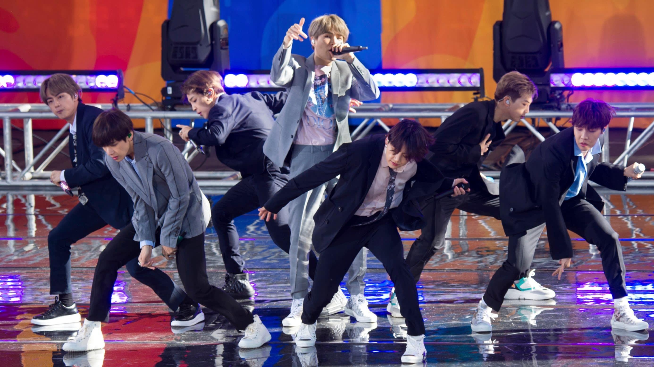 'Cha đẻ' nhóm nhạc đình đám BTS hướng tới mục tiêu IPO đế chế giải trí Big Hit - Ảnh 1.