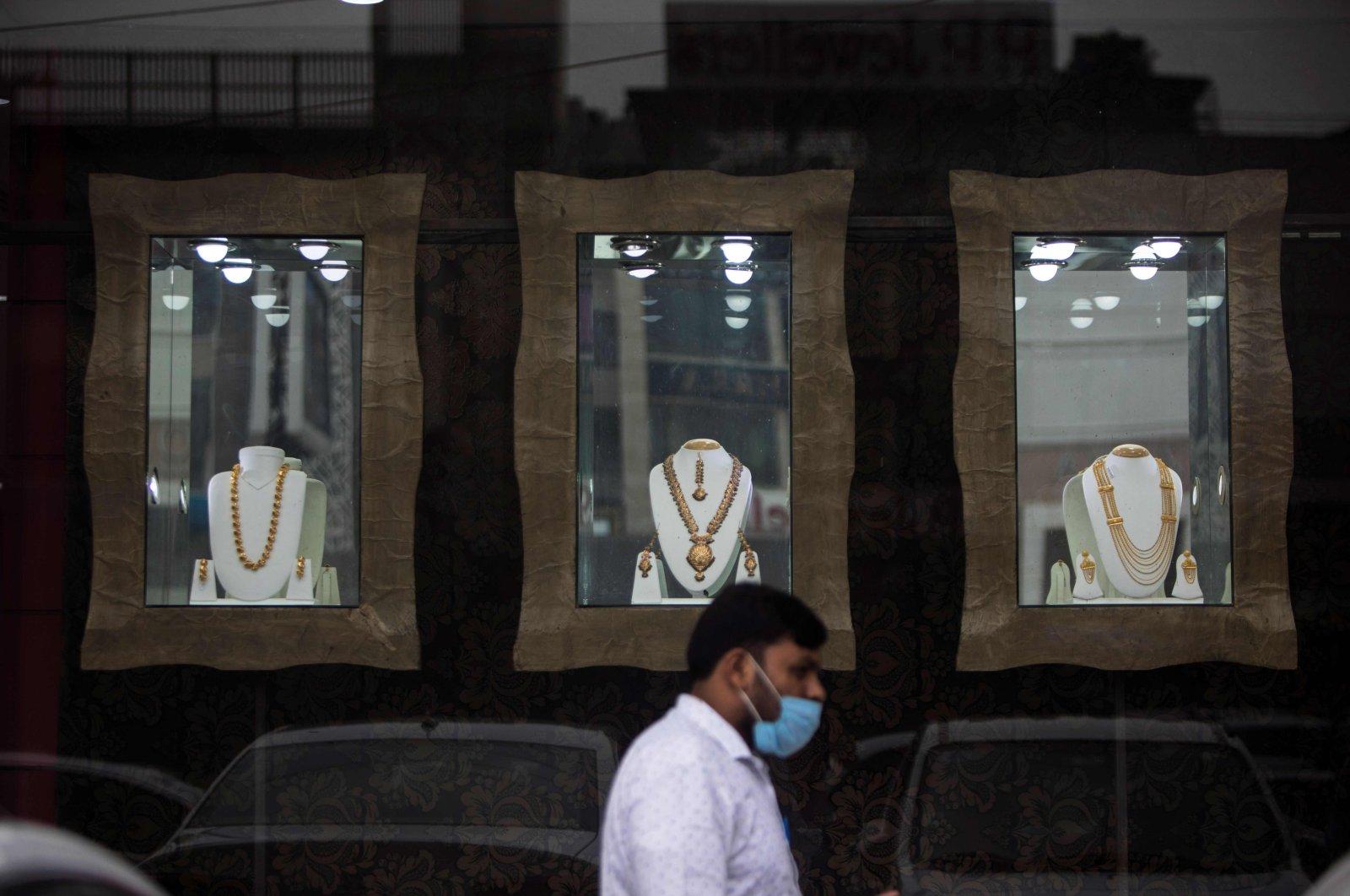 Covid-19 đẩy thị trường vàng Ấn Độ vào cảnh ảm đạm - Ảnh 1.
