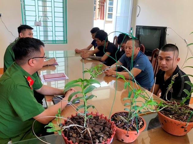 Cảnh báo các nhóm làm giàn trồng lan, tổ chức các sự kiện mua bán lan đột biến để lừa hàng tỉ đồng - Ảnh 2.