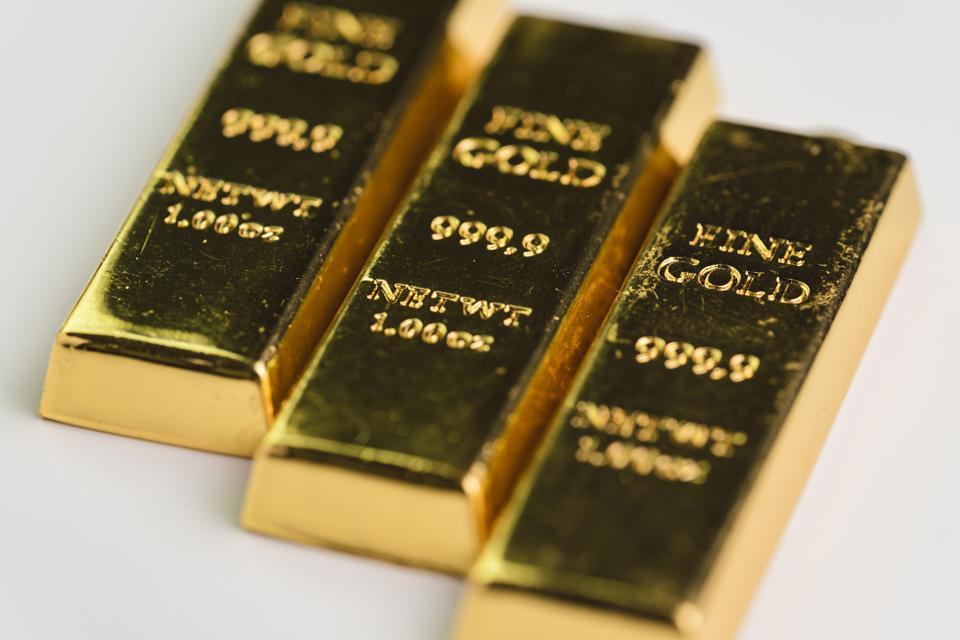 Giá vàng giảm mạnh, nhà đầu tư có cần lo lắng? - Ảnh 1.