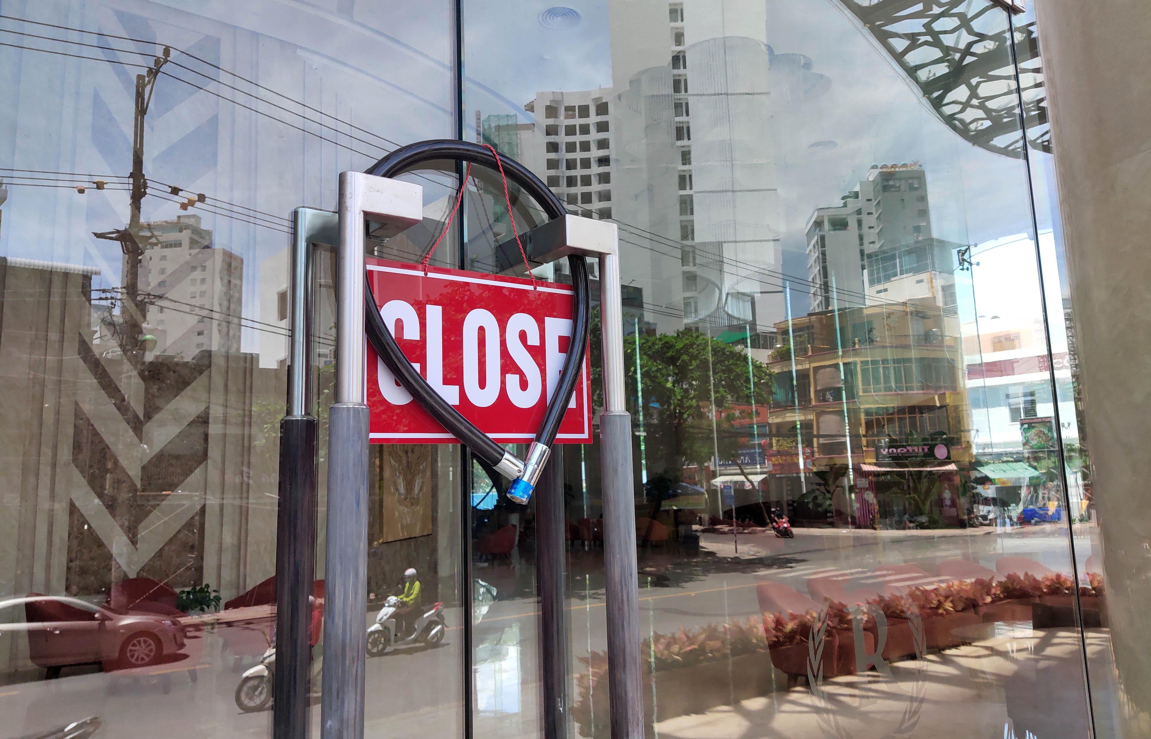 Khánh Hòa: Hàng loạt khách sạn đóng cửa lần 2 vì công suất buồng phòng chưa đến 10% - Ảnh 4.