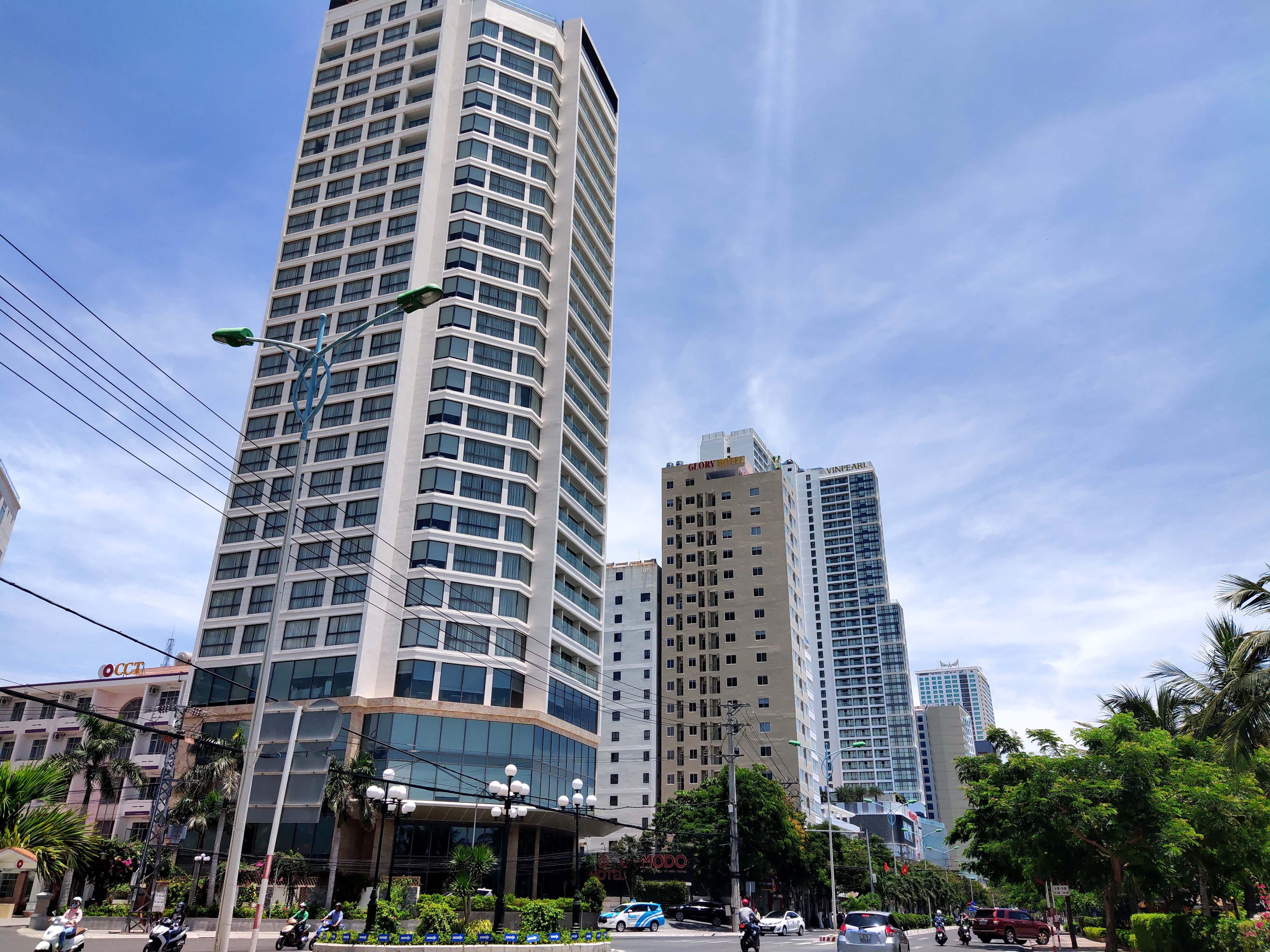 Khánh Hòa: Hàng loạt khách sạn đóng cửa lần 2 vì công suất buồng phòng chưa đến 10% - Ảnh 3.