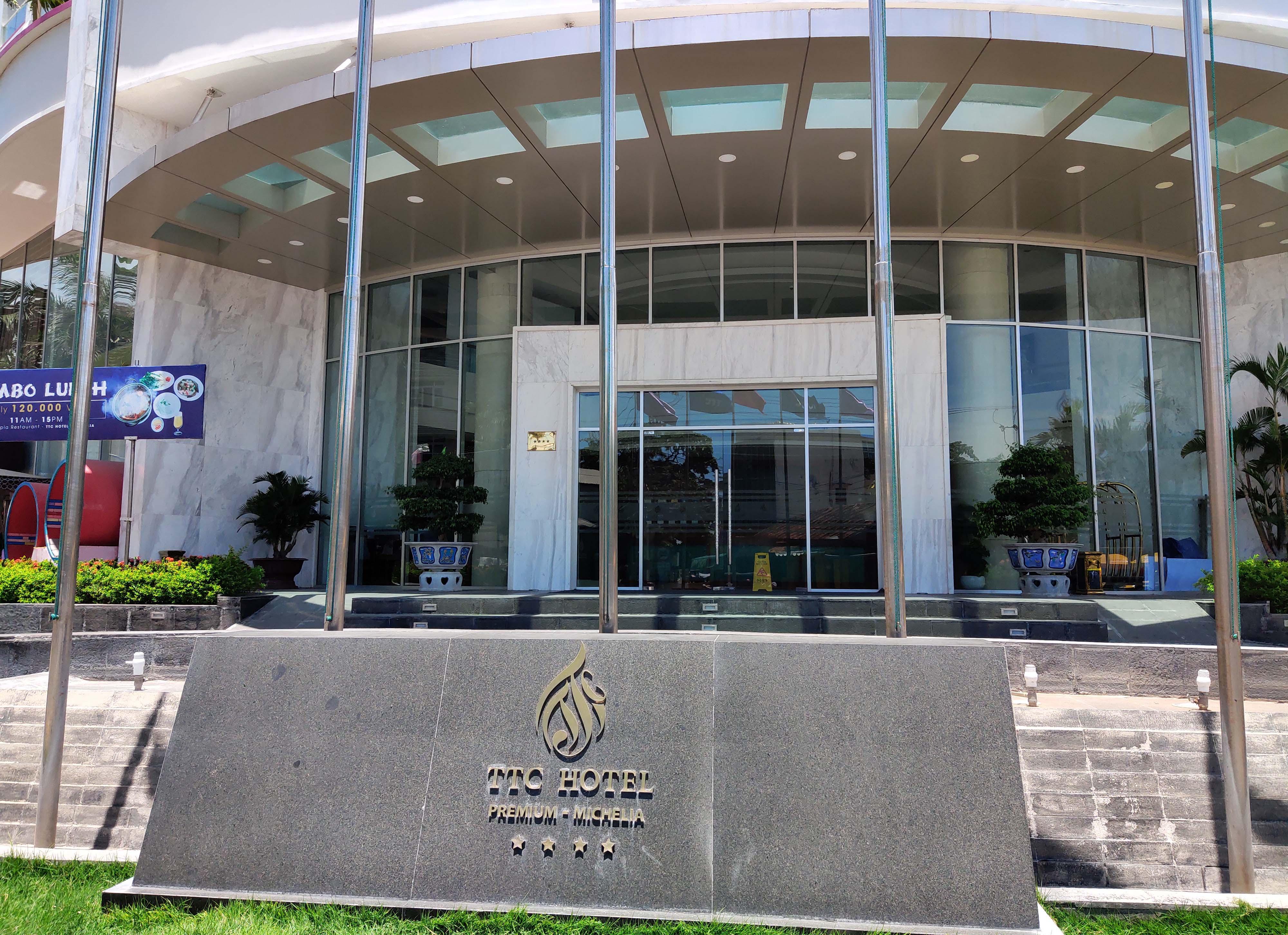 Khánh Hòa: Hàng loạt khách sạn đóng cửa lần 2 vì công suất buồng phòng chưa đến 10% - Ảnh 10.