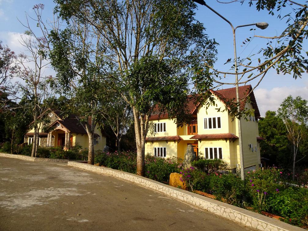 Những khu resort, homestay 'đẹp quên lối về' tại Măng Đen Kon Tum  - Ảnh 16.
