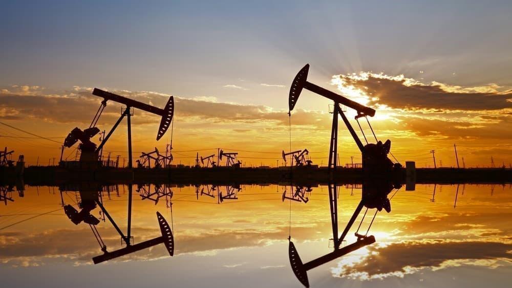 Giá xăng dầu hôm nay 3/8: Sản lượng dầu thô giảm, giá dầu tăng trở lại - Ảnh 1.