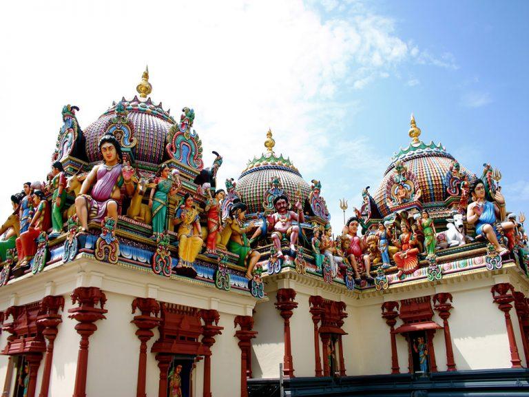 Nhân ngày Thất Tịch, cùng dạo quanh những ngôi chùa cầu duyên nổi tiếng nhất Hà Nội và Sài Gòn - Ảnh 8.