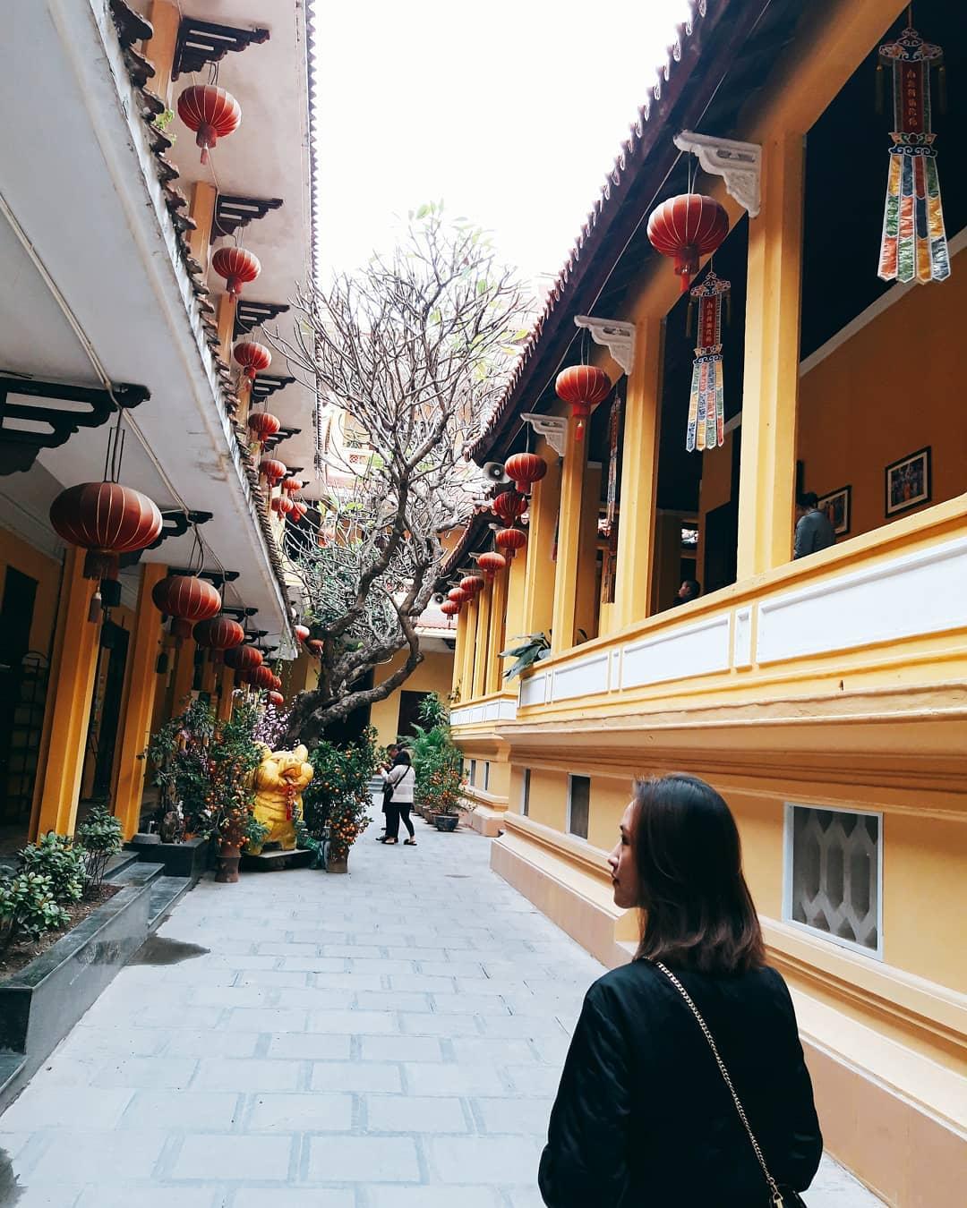 Nhân ngày Thất Tịch, cùng dạo quanh những ngôi chùa cầu duyên nổi tiếng nhất Hà Nội và Sài Gòn - Ảnh 7.