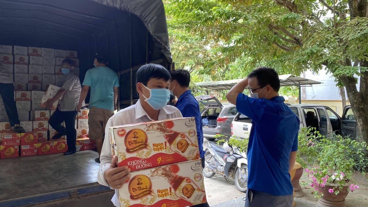 Trà Thanh Nhiệt Dr Thanh tiếp sức cho đồng bào, chiến sĩ tại Quảng Nam - Ảnh 3.