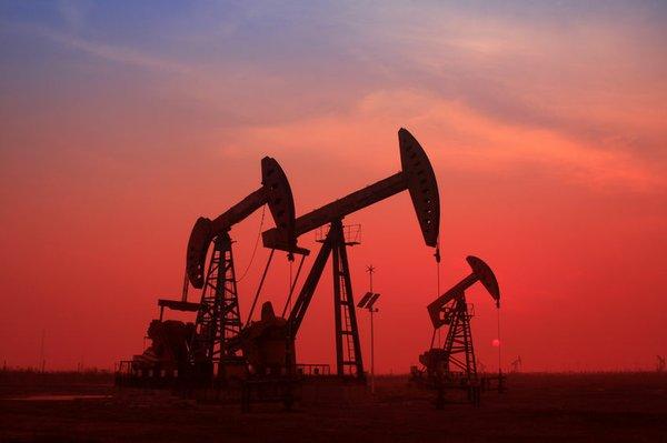Giá xăng dầu hôm nay 5/8: Dịch COVID-19 tăng cao, giá dầu giảm trở lại - Ảnh 1.