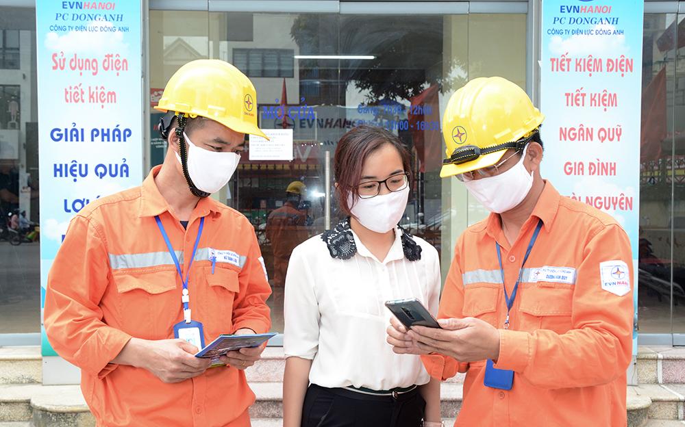 EVN Hà Nội miễn, giảm gần 900 tỉ đồng tiền điện cho khách hàng bị ảnh hưởng bởi dịch Covid-19 - Ảnh 1.