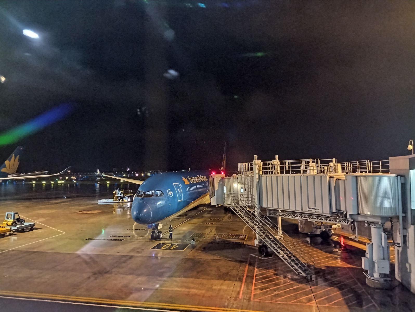 Vietnam Airlines lần đầu khai thác đường bay thẳng đến Texas đón gần 350 công dân về nước - Ảnh 2.