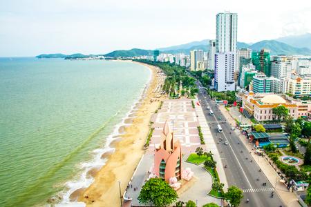 Cho phép người nước ngoài sở hữu BĐS du lịch tại Việt Nam: Nên hay không nên? - Ảnh 1.