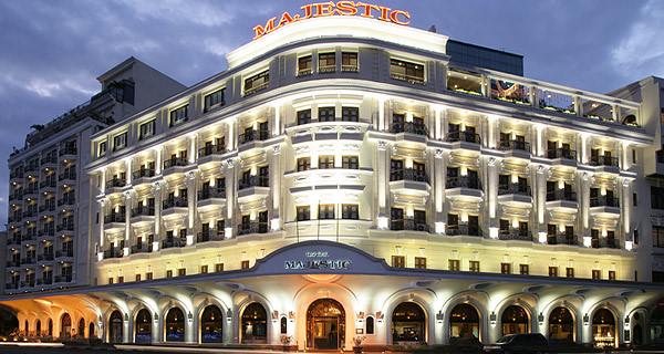 Khách sạn 5 sao tại TP HCM giảm giá đến 70% cho người dân trải nghiệm - Ảnh 1.