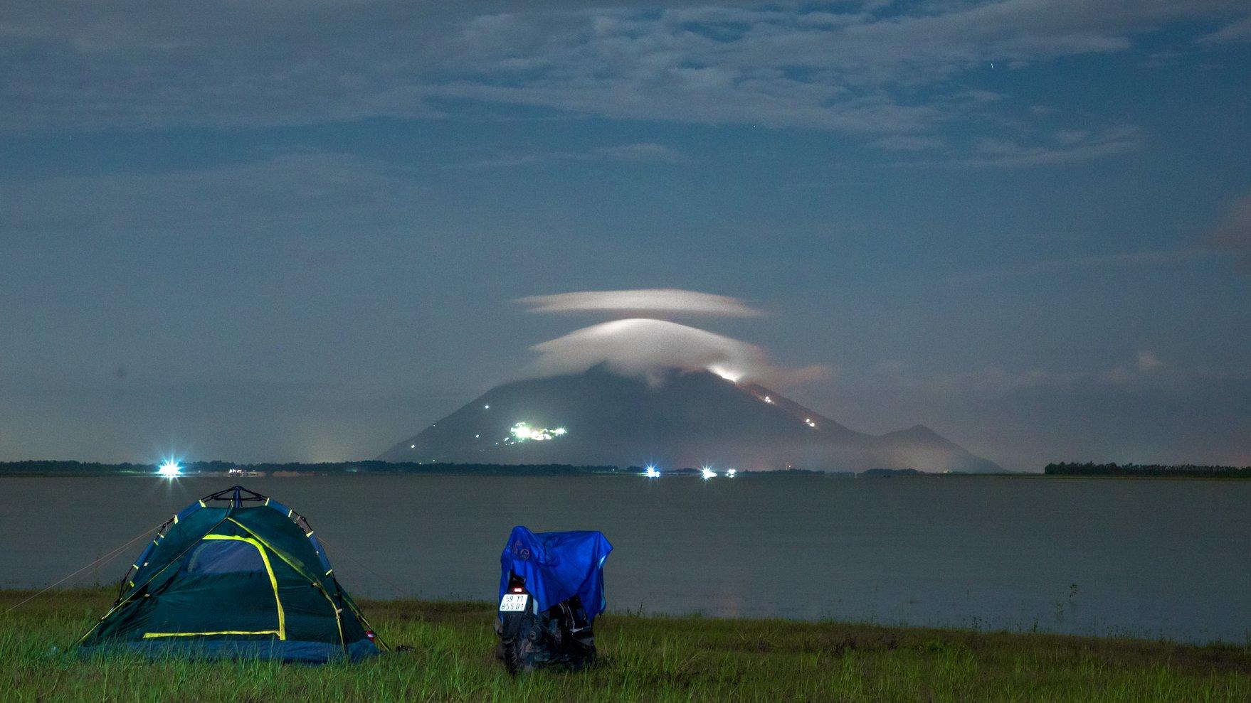 Đến hồ Dầu Tiếng, chiêm ngưỡng cảnh đẹp hút hồn tại địa điểm cắm trại hot nhất Tây Ninh  - Ảnh 8.