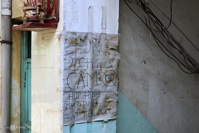 Con hẻm 100 năm tuổi ở TP HCM 'cấm' khách tới chụp hình  - Ảnh 2.