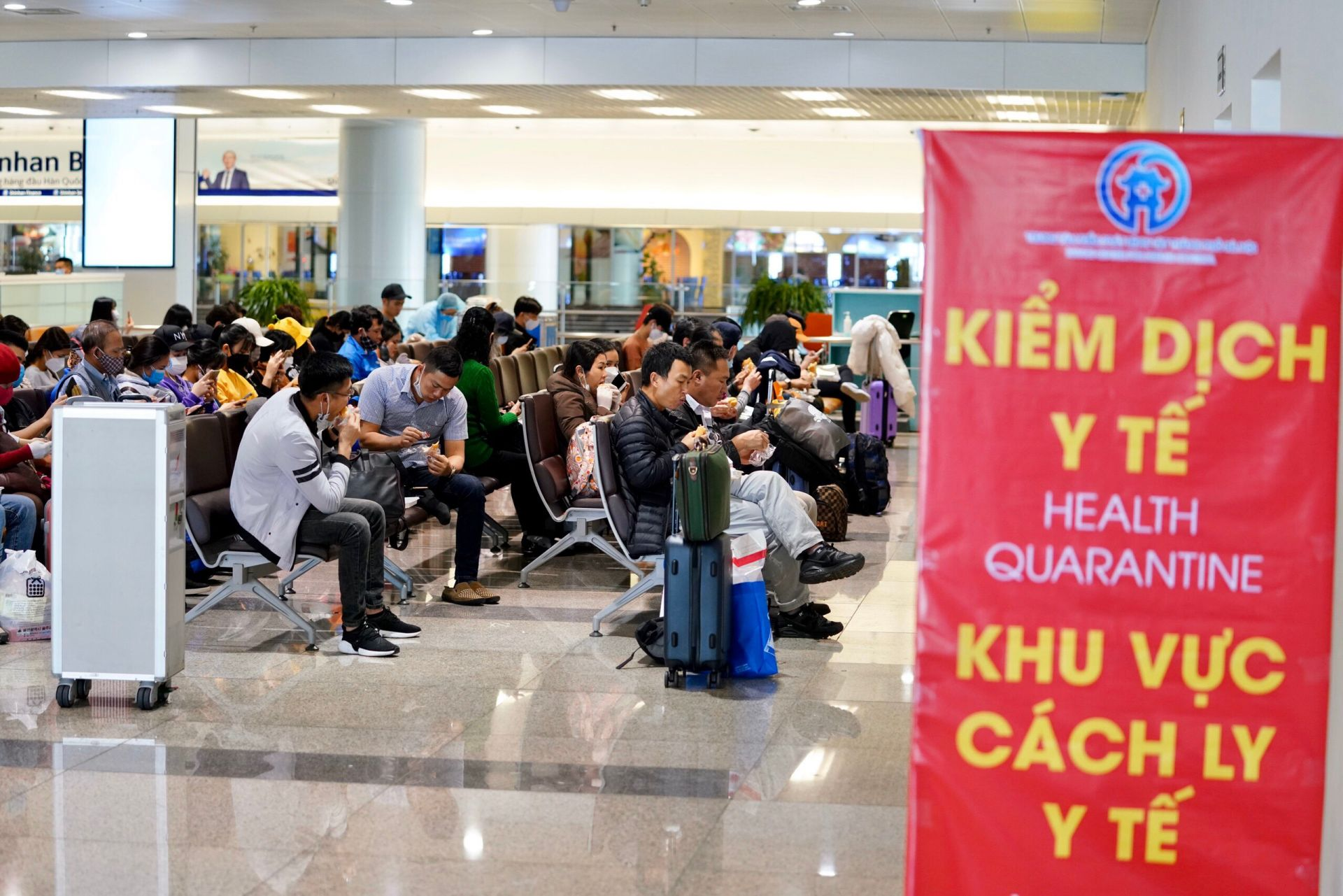 Bộ GTVT: Chỉ bán vé cho người đã có thị thực và địa điểm lưu trú cụ thể tại Việt Nam - Ảnh 1.