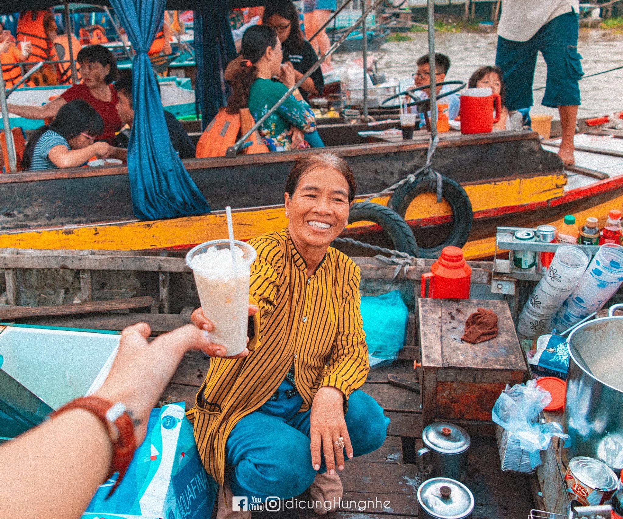 Một ngày lênh đênh tại chợ nổi Cái Răng  - Ảnh 8.