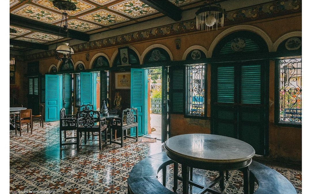 Vẻ đẹp nhà cổ Bình Thủy, địa điểm tham quan trăm tuổi tại Cần Thơ  - Ảnh 8.