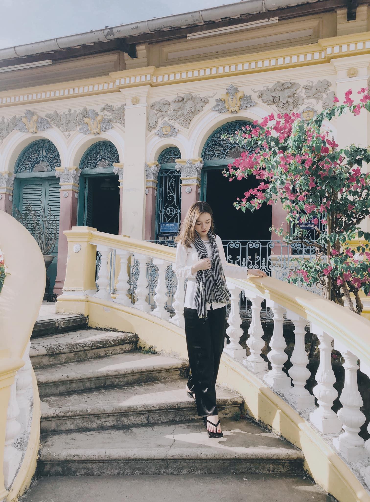 Vẻ đẹp nhà cổ Bình Thủy, địa điểm tham quan trăm tuổi tại Cần Thơ  - Ảnh 7.