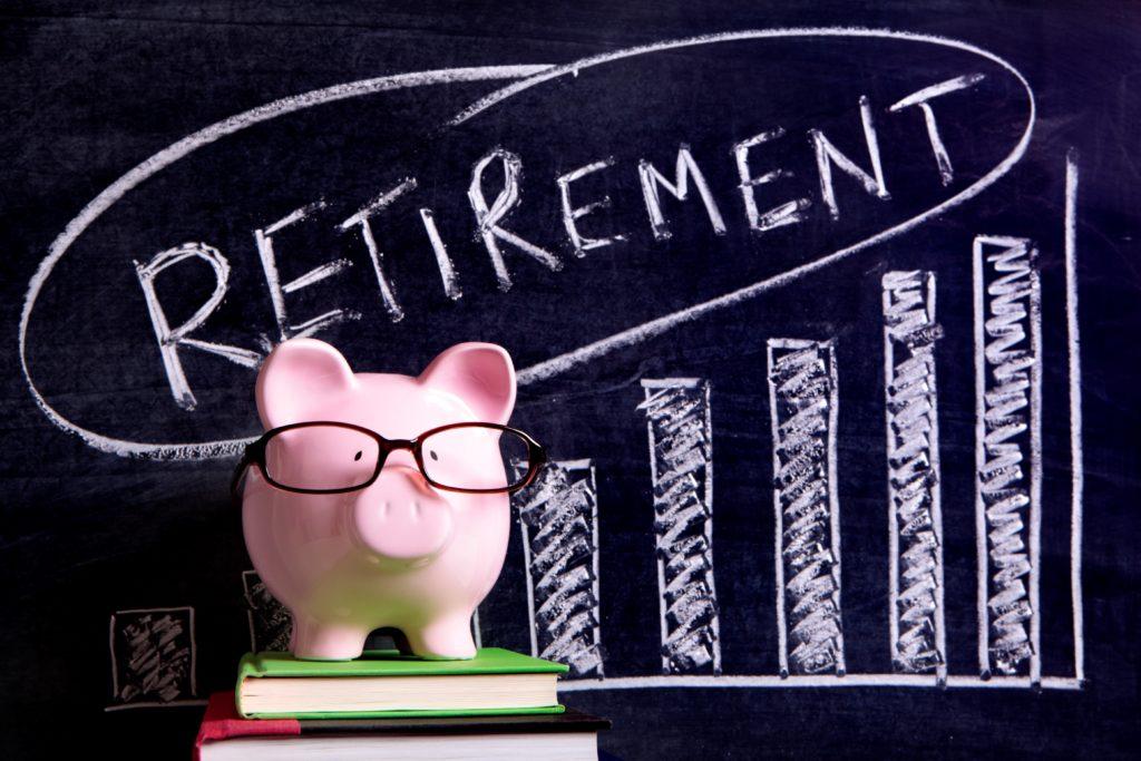 Tiết kiệm, đầu tư hay lên kế hoạch nghỉ hưu sớm là ưu tiên tài chính hàng đầu? - Ảnh 2.