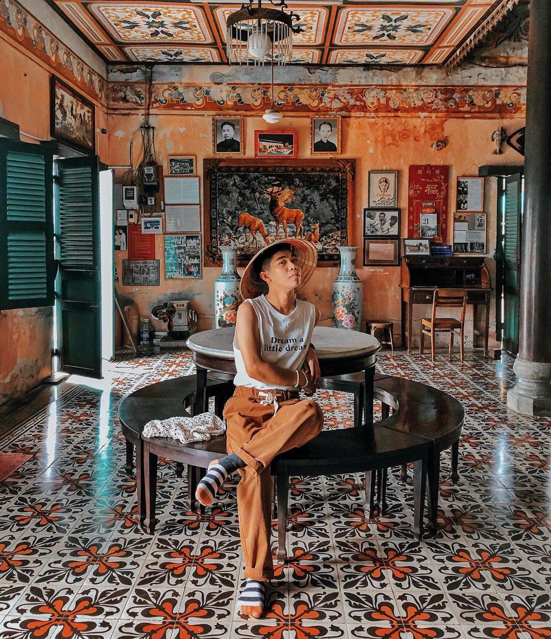 Vẻ đẹp nhà cổ Bình Thủy, địa điểm tham quan trăm tuổi tại Cần Thơ  - Ảnh 10.
