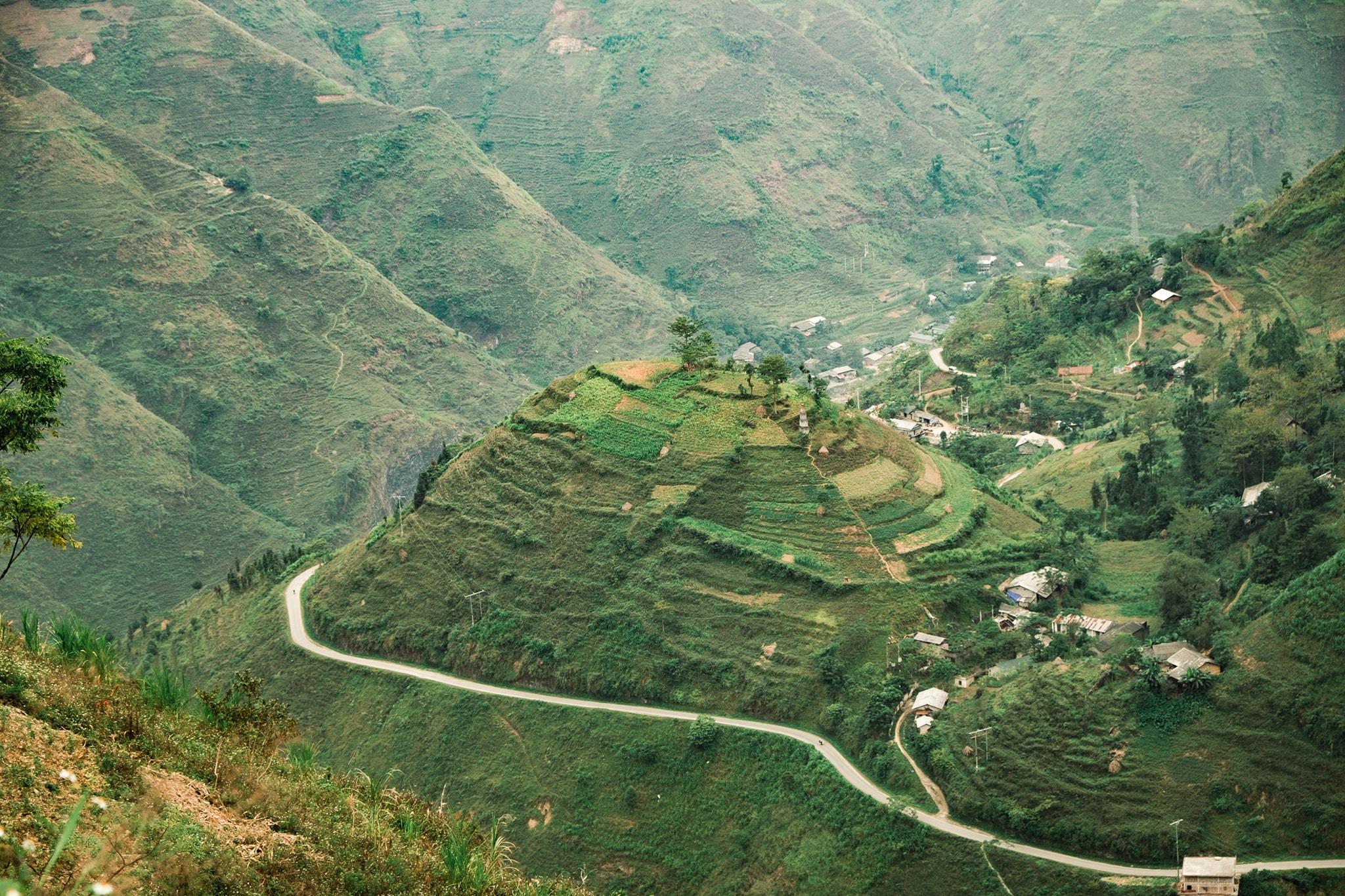 Khám phá Mã Pí Lèng, một trong 'tứ đại đỉnh đèo' của Việt Nam  - Ảnh 10.