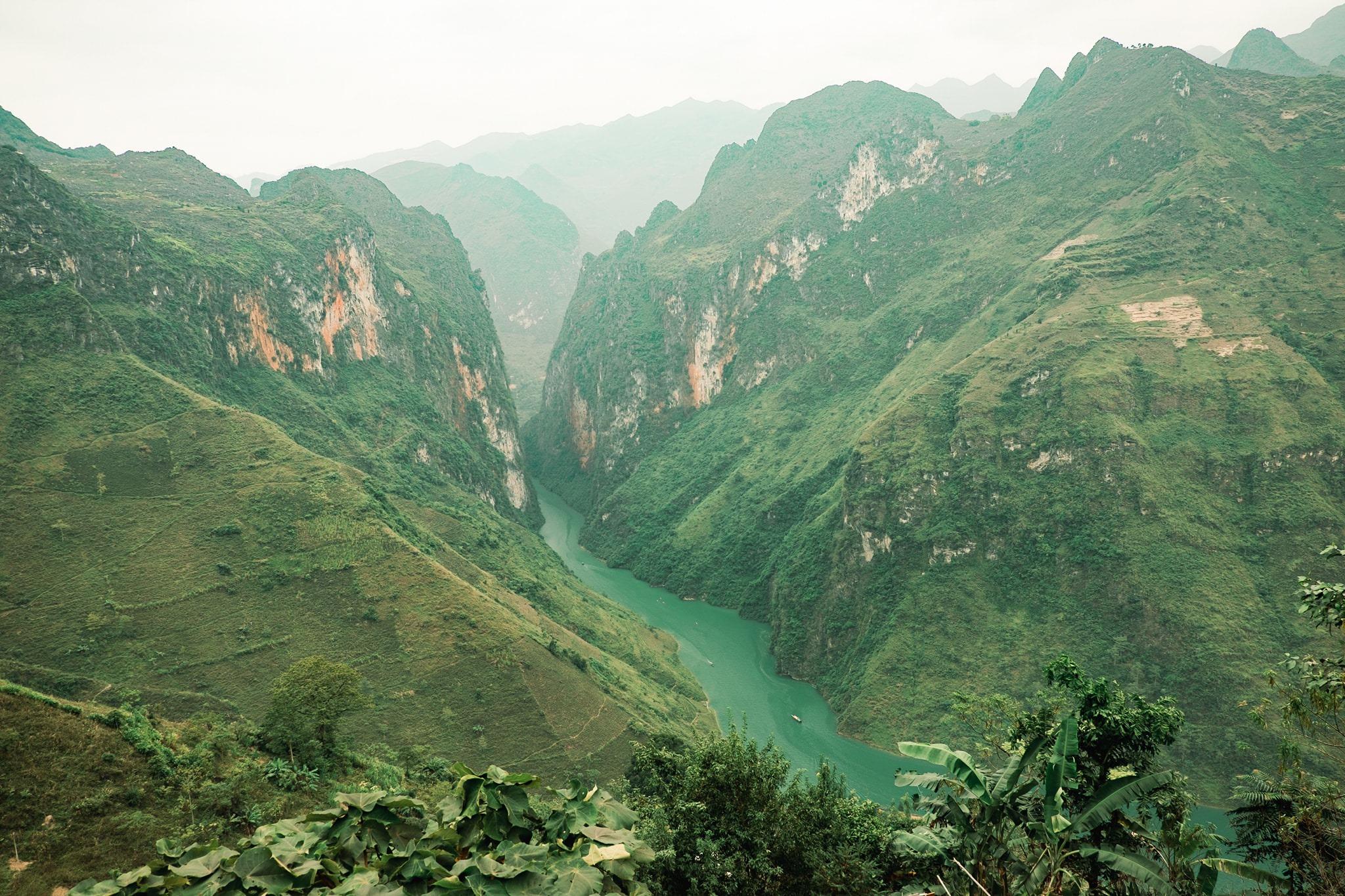Khám phá Mã Pí Lèng, một trong 'tứ đại đỉnh đèo' của Việt Nam  - Ảnh 8.