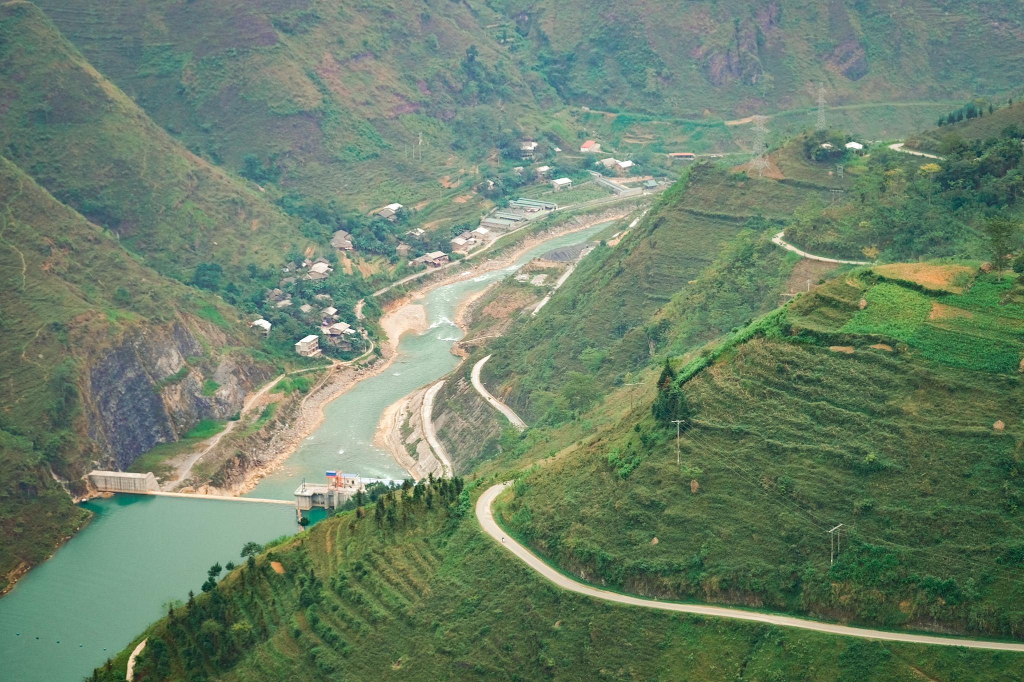 Khám phá Mã Pí Lèng, một trong 'tứ đại đỉnh đèo' của Việt Nam  - Ảnh 4.