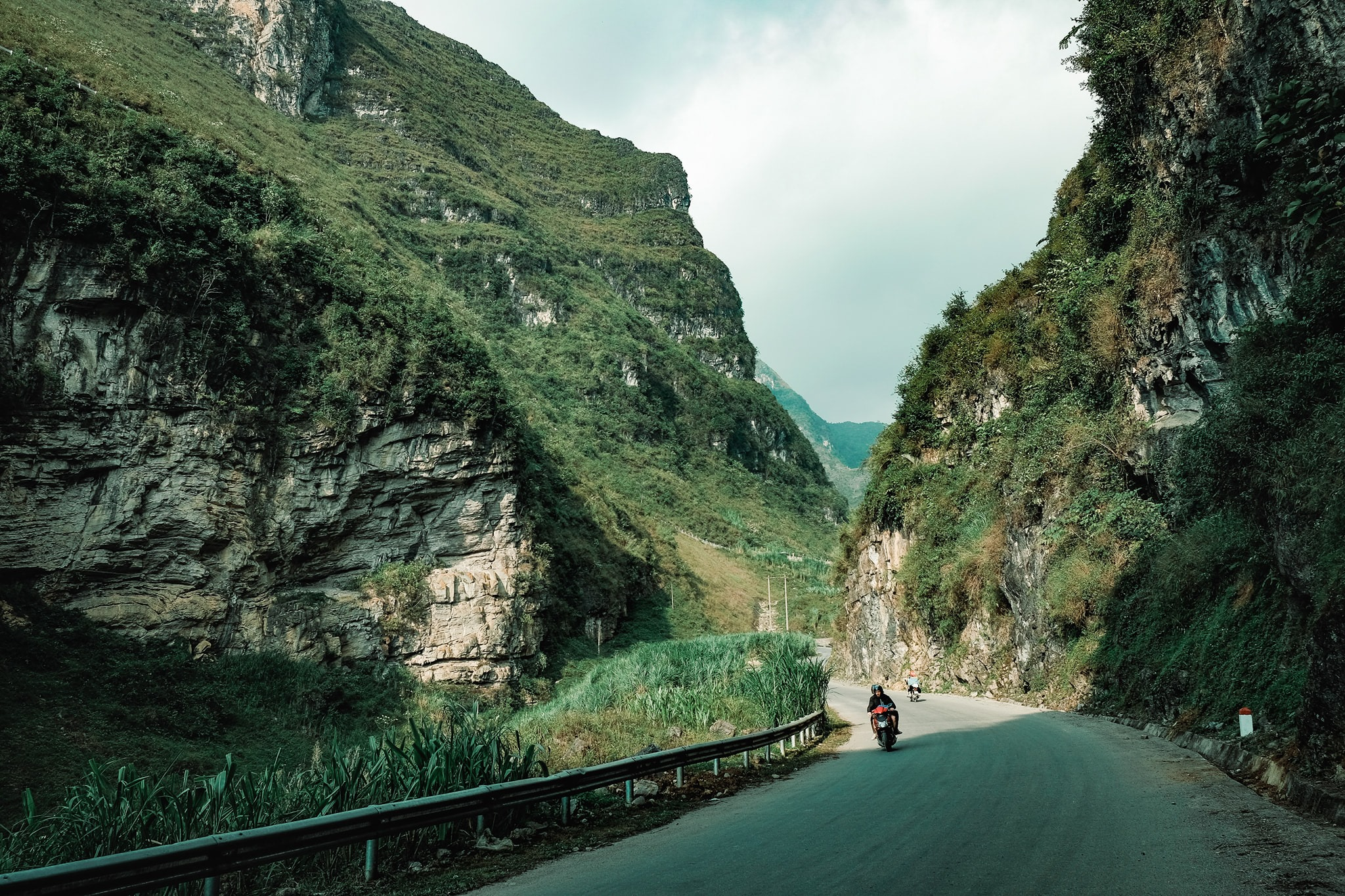 Khám phá Mã Pí Lèng, một trong 'tứ đại đỉnh đèo' của Việt Nam  - Ảnh 9.