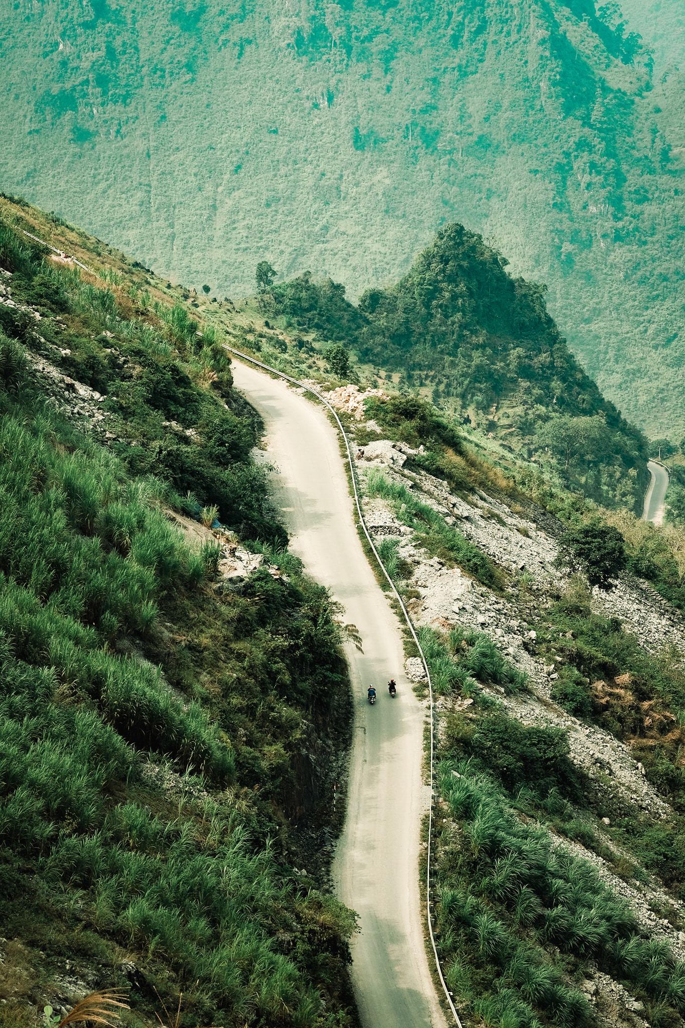 Khám phá Mã Pí Lèng, một trong 'tứ đại đỉnh đèo' của Việt Nam  - Ảnh 2.