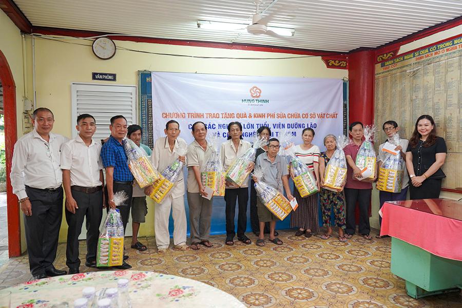 Tập đoàn Hưng Thịnh mang yêu thương đến viện dưỡng lão nghệ sĩ và chùa Nghệ sĩ TP HCM - Ảnh 3.