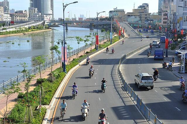 Diện mạo mới, sức sống mới phía Tây Nam TP HCM - Ảnh 3.