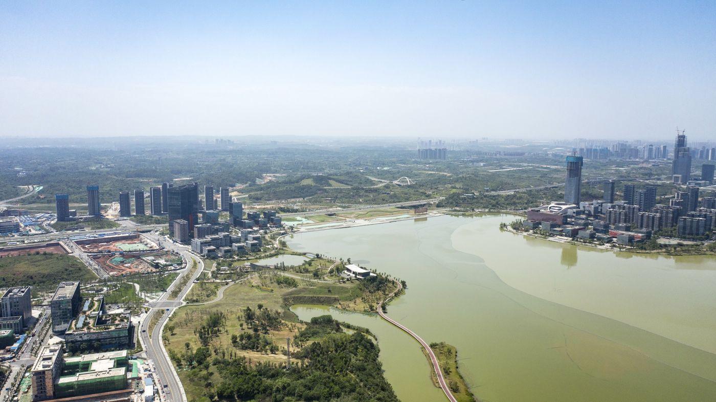 Trung Quốc ra sức xây thành phố sinh thái nhưng chật vật tìm cư dân đến ở - Ảnh 2.