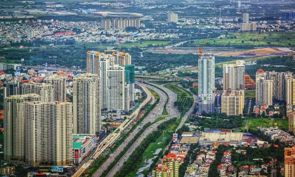 Khu Đông TP HCM 'phá kén' nhờ những cú hích hạ tầng - Ảnh 2.