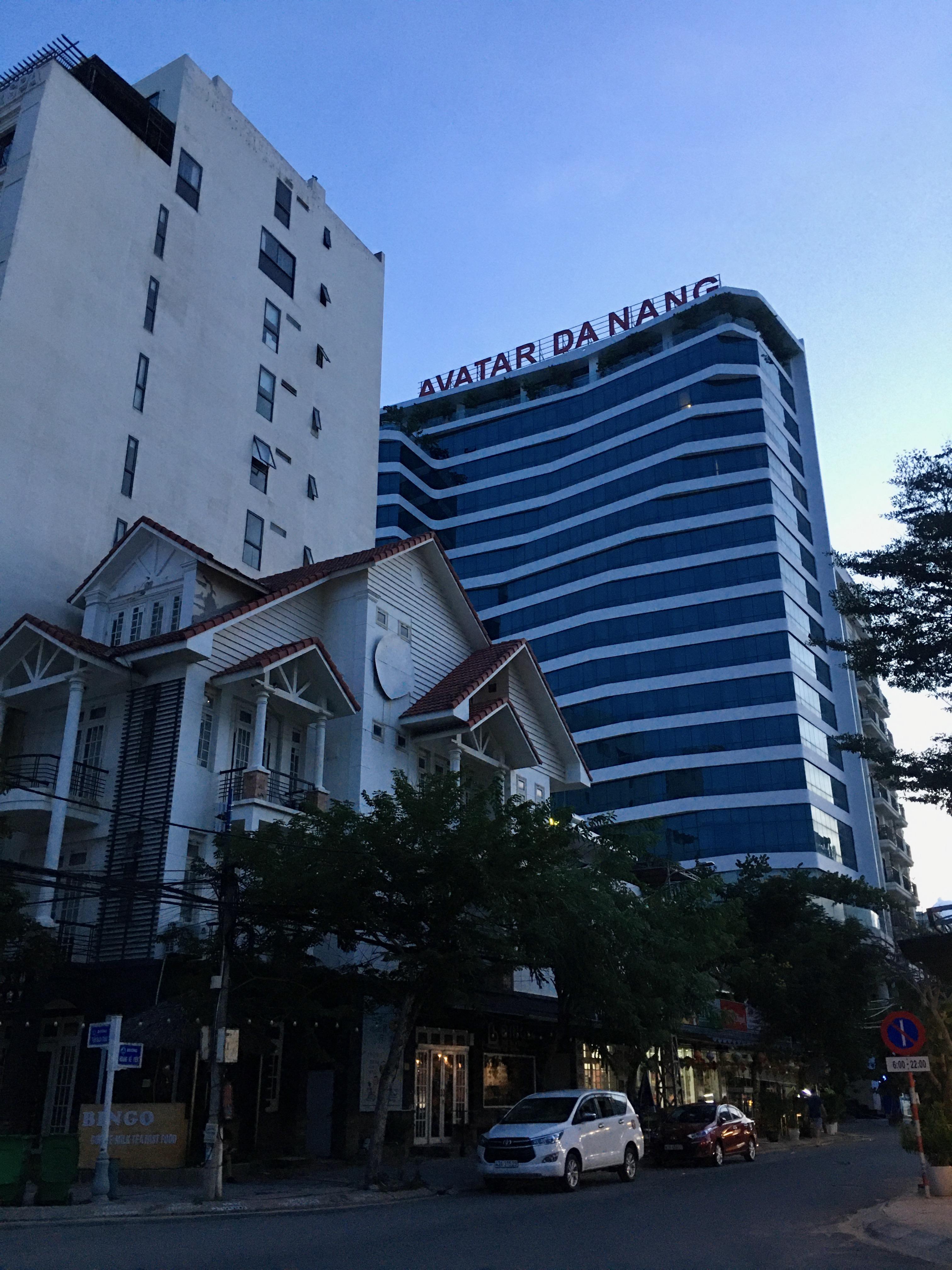 Phố khách sạn Đà Nẵng 'tối đèn', rao bán hàng trăm tỉ đồng - Ảnh 15.