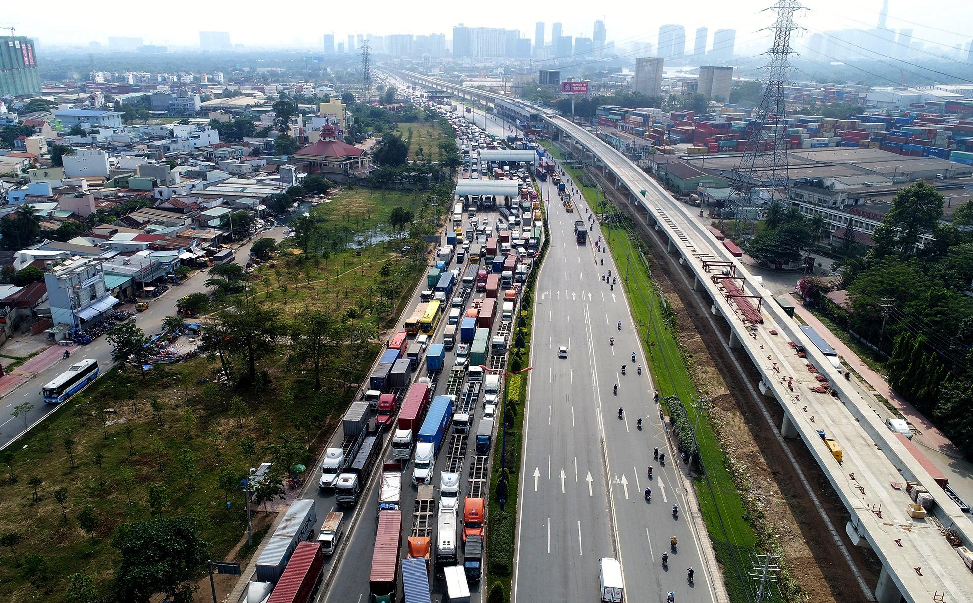 Khu Đông TP HCM bứt tốc nhờ những cú hích hạ tầng - Ảnh 10.