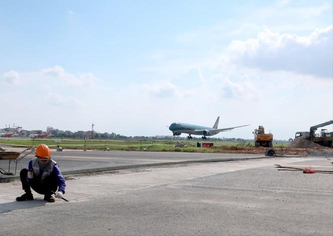 Hà Nội có những cảng hàng không và sân bay nào? - Ảnh 1.